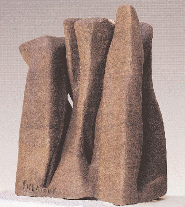 «Tο τραγούδι αγάπης», 1961. Πορφυρίτης ροζ Αιγύπτου, 86x32x66 εκ. Μουσείο Βορρέ, Αθήνα