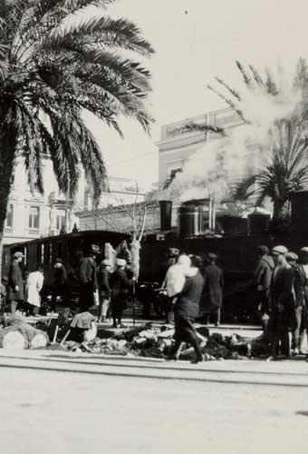 Το Θηρίο στην πλατεία Λαυρίου το 1920