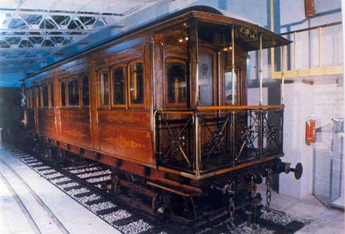 Η Βασιλική άμαξα κατασκευασμένη στο εργοστάσιο του ΣΑΠ στον Πειραιά το 1888
