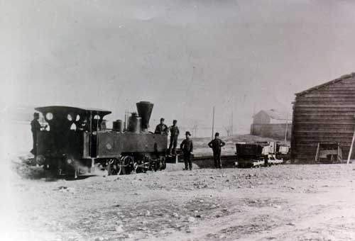 Μηχανή ατμήλατου σιδηροδρόμου στον Πειραιά