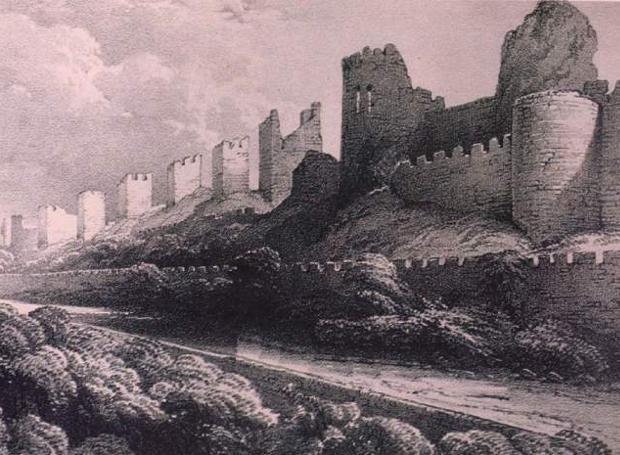 Τα κατεστραμμένα τείχη της Κωνσταντινούπολης