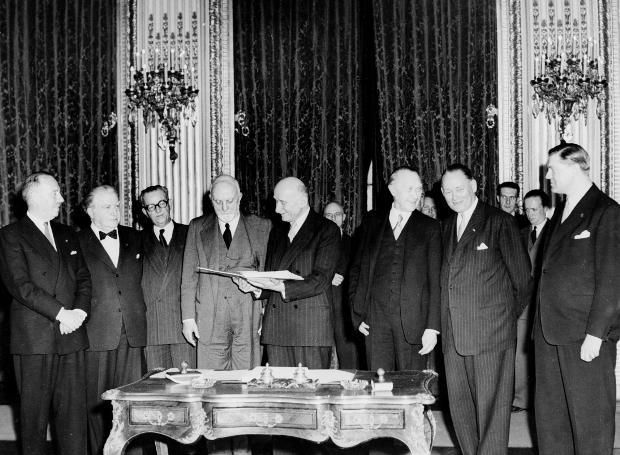 Η υπογραφή της Συνθήκης των Παρισίων (18/4/1951)