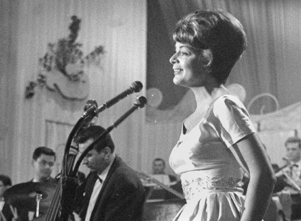 Λις Άσια, Eurovision 1956