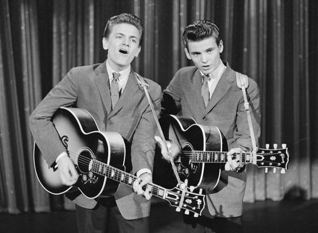 Οι Everly Brothers (αριστερά ο Φιλ Έβερλι)