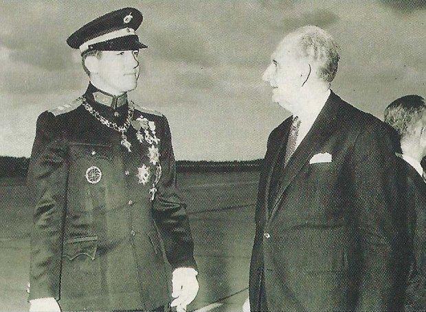 Ο βασιλιάς Κωνσταντίνος και ο πρωθυπουργός Γεώργιος Παπανδρέου