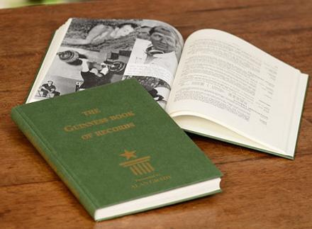 Το πρώτο βιβλίο Γκίνες, 1955
