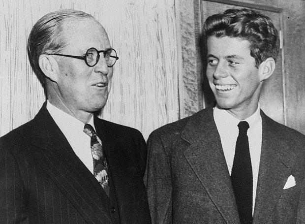 Ο Τζον Φιτζέραλντ Κένεντι με τον πατέρα του, Τζόζεφ Πάτρικ Κένεντι