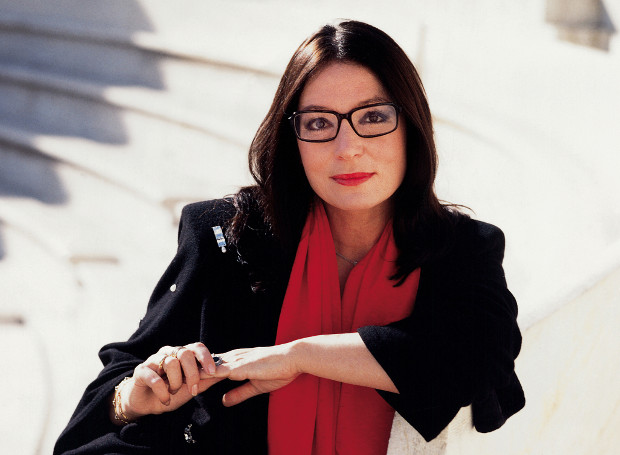 http://cdn.sansimera.gr/media/photos/main/Nana_Mouskouri.jpg