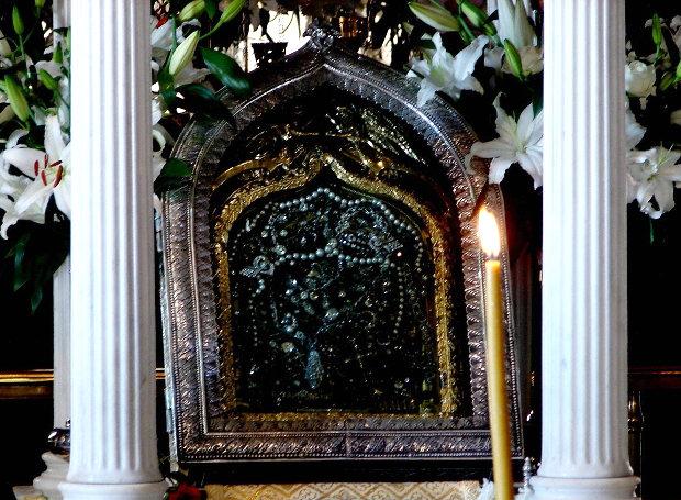 Η θαυματουργή εικόνα της Παναγίας Τήνου