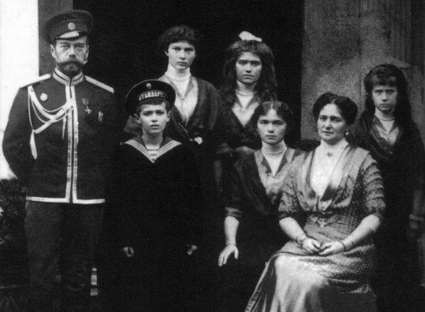 Ο τελευταίος τσάρος της Ρωσίας μετά της οικογενείας του