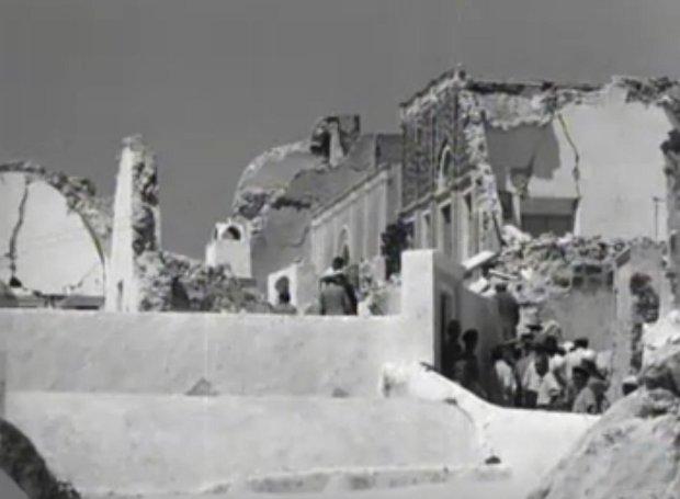 Μισογκρεμισμένα σπίτια στη σεισμόπληκτη Σαντορίνη