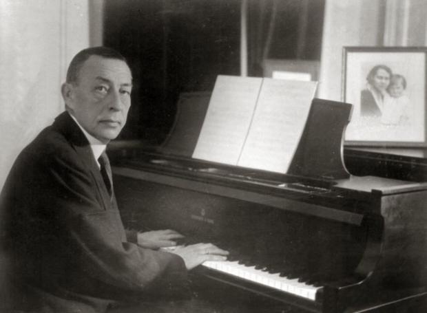 Ο Σεργκέι Ραχμάνινοφ στο πιάνο του