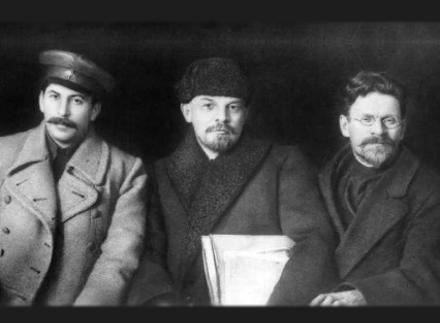 Στάλιν - Λένιν - Τρότσκι