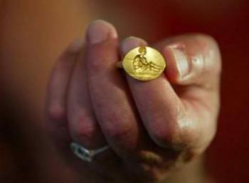 Δαχτυλίδι-φονικό όπλο του 14ου αιώνα ανακαλύφθηκε στη Βουλγαρία
