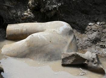 Βρέθηκε κολοσσιαίο άγαλμα Φαραώ μέσα στο Κάιρο