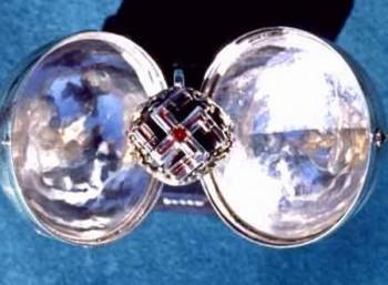 Ένα δαχτυλίδι που φέρεται ότι ανήκε στον Αδόλφο Χίτλερ θα πωληθεί σε δημοπρασία
