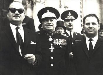 Ο Συνταγματάρχης Λαδάς (πρώτος από αριστερά), από τους πιο σκληρούς της Χούντας.