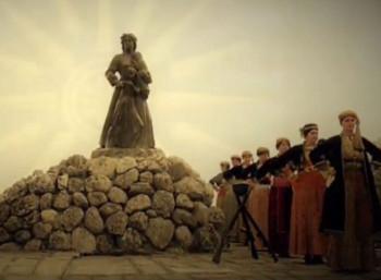 Μνημείο στη γέφυρα της Αραπίτσας για την καταστροφή της Νάουσας