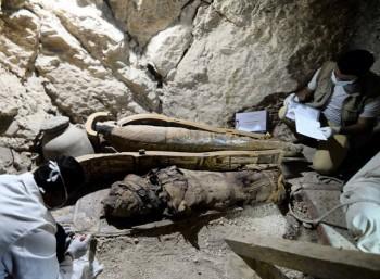 Ανακαλύφθηκαν έξι μούμιες σε φαραωνικό τάφο στην Αίγυπτο