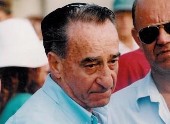 Μάικ Χαράρι (1927 – 2014)