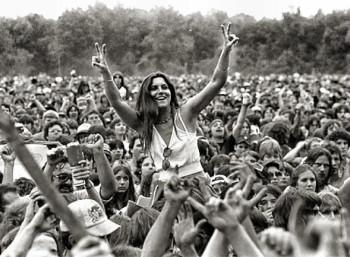 Το Ροκ Φεστιβάλ του Γούντστοκ: Τρεις Μέρες Ειρήνης και Μουσικής.