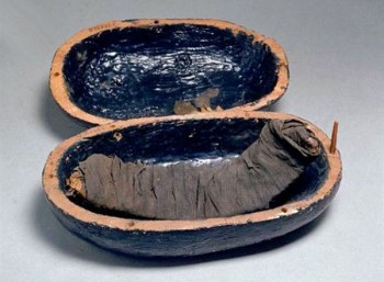 Μουμιοποιημένα παϊδάκια στο αιώνιο δείπνο του Τουταγχαμών