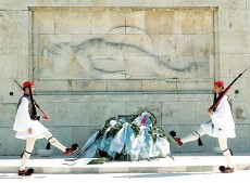 Το Μνημείο του Άγνωστου Στρατιώτη και η ιστορία του