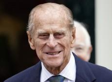Οι μνημειώδεις γκάφες του βασιλικού συζύγου της Μ. Βρετανίας